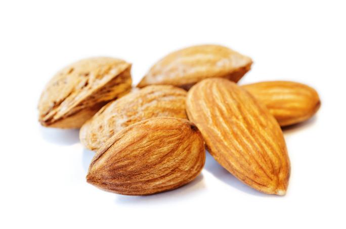 almond-nuts-PGUS8EN